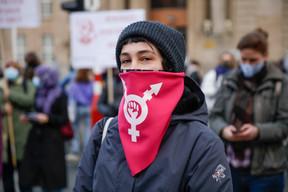Le masque était évidemment de rigueur dans les rangs des manifestants. ((Photo: Romain Gamba / Maison Moderne))