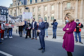 Dan Kersch et Taina Bofferding se sont adressés aux manifestants. ((Photo: Romain Gamba / Maison Moderne))