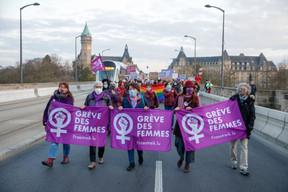 La plateforme JIF est reconnaissable par son logo, un poing féminin serré dans un symbole de Vénus, sur un fond de couleur violette. ((Photo: Romain Gamba / Maison Moderne))