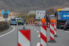 Le 17 mars, à Schengen comme ailleurs, les frontières reprennent vie avec des contrôles policiers, au grand dam des autorités grand-ducales. ((Photo: Matic Zorman / Maison Moderne))
