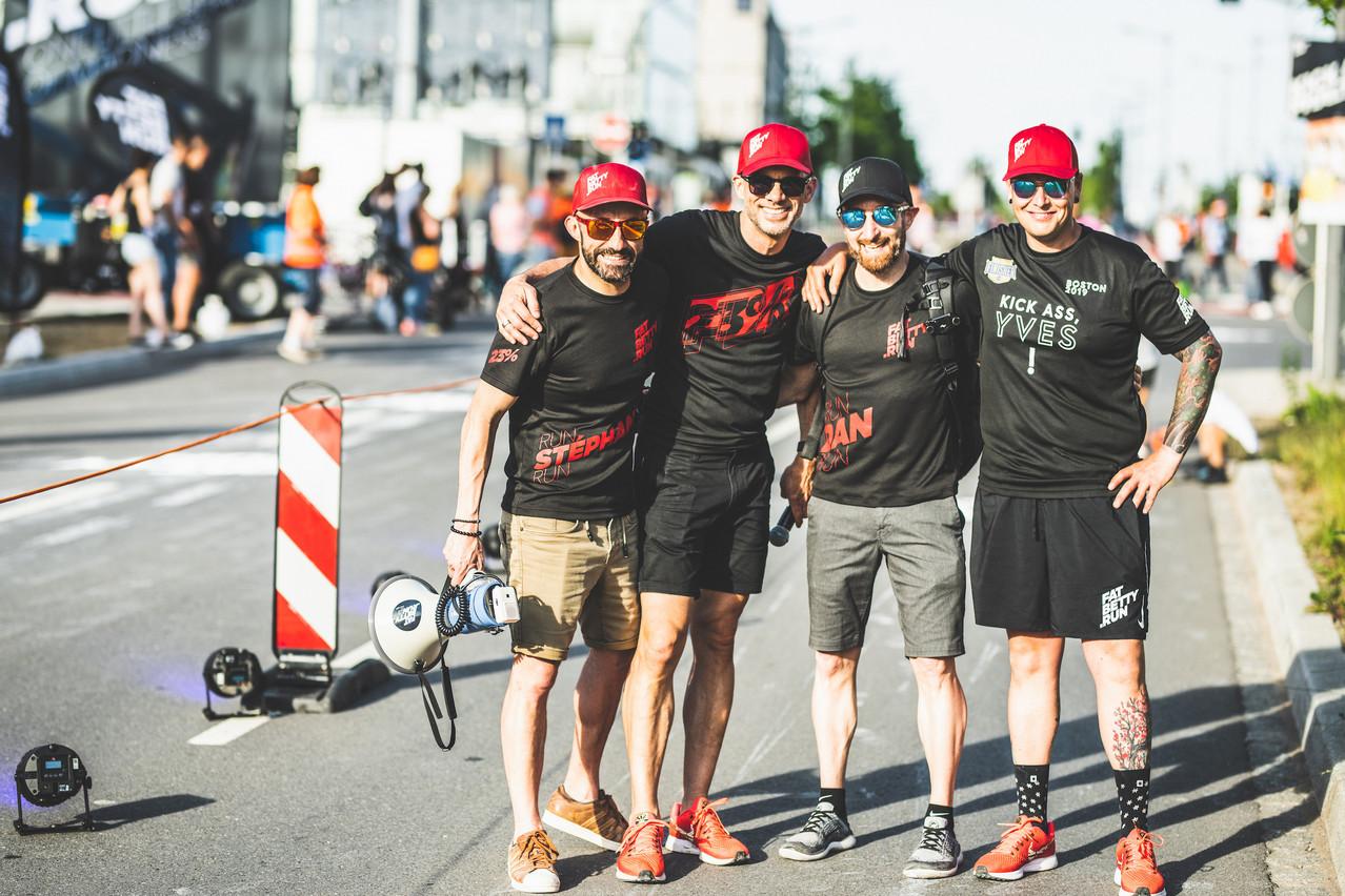 Quatre amis, habitués à user leurs semelles sur l'asphalte de différentes latitudes. (Photo:  Rugged.run / Arthur Ranzy )