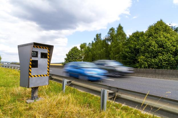 En 2019, c'est un total de 282.703avertissements taxés qui a été dressé, dont 272.102 à 49 euros et 10.601 à 145 euros. 2.023 délits de grande vitesse ont pu être constatés. (Photo: Shutterstock)