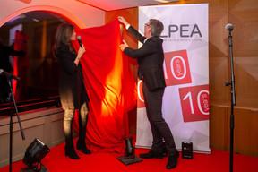 RajaaMekouar-Schneider (CEO de la LPEA) et Jhemp Bastin ((Photo: Romain Gamba/Maison Moderne))