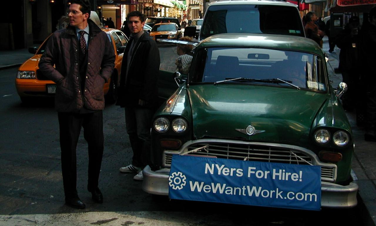 Avec des amis, il lance l'initiative «We Want Work». (Photo: Marcde Bourcy)