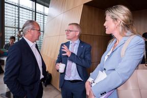 Claude Turmes, ministre de l'Aménagement du Territoire, au côté de Georges Gilkinet (vice-Premier ministre et ministre de la Mobilité belge). ((Photo: Nader Ghavami))
