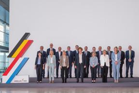 Autour des deux chefs de gouvernement, seize ministres ont participé à la réunion. ((Photo: Nader Ghavami))
