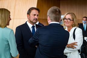 Xavier Bettel entouré par certains de ses ministres. ((Photo: Nader Ghavami))