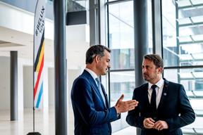 Les deux chefs de gouvernement en pleine discussion. ((Photo: Nader Ghavami))