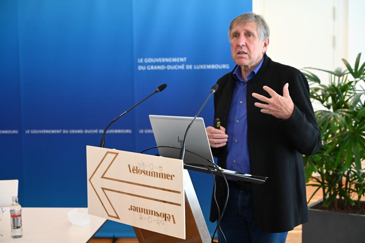 FrançoisBausch,ministre de la Mobilité et des Travaux publics, a présenté ce vendredi 7 mai leVëlosummer2021. (Photo: MMTP)