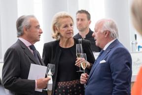 Le Comte et La Comtesse Serge De Ganay (Quilvest Wealth Management) et Norbert Becker ((Photo: Éric Chenal))