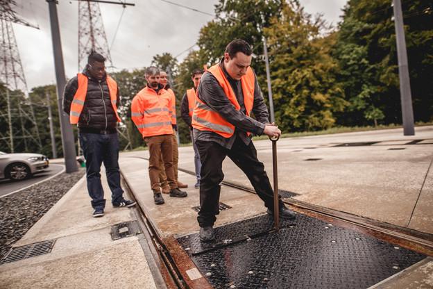 Les travaux du tram font partie de ceux qui ne s'arrêteront pas lors des congés collectifs. (Photo: Maison Moderne/Archives)