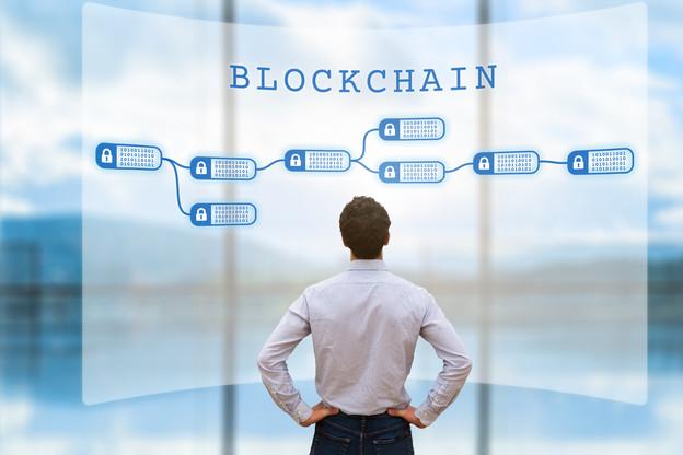 Les chercheurs français ont identifié 18 freins à l'adoption de la blockchain dans différents secteurs d'activité. (Photo: Shutterstock)