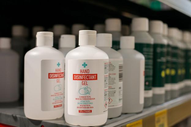 Les entreprises ont été contraintes d'instaurer un protocole et des mesures sanitaires spécifiques, comme la mise à disposition de gel hydroalcoolique ou du nécessaire pour se laver les mains. (Photo: Matic Zorman / Maison Moderne)