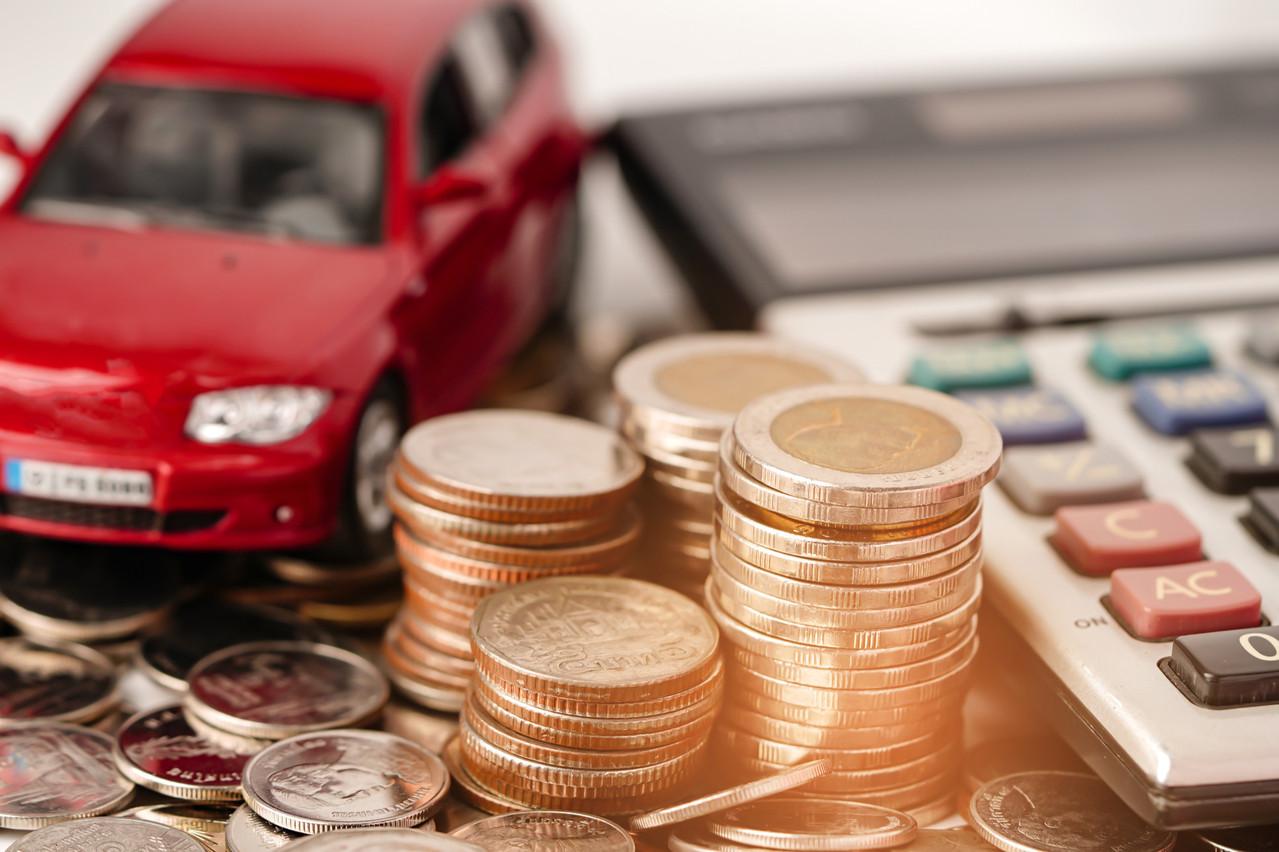Privés de clients pendant les quatre mois au cours desquels ils vendent habituellement le plus de voitures, les concessionnaires font de gros rabais pour alléger leur parc. (Photo: Shutterstock)
