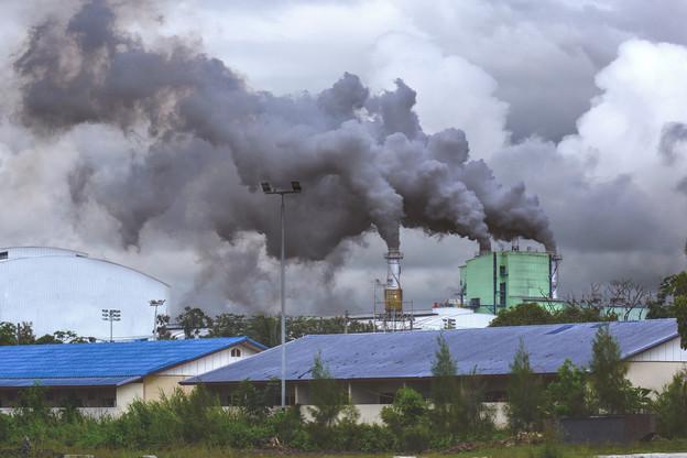 La Chine tirera la consommation de charbon – et les émissions de CO2 – vers le haut. Mais l'empire du Milieu est aussi le pays du monde qui injectera le plus d'énergies renouvelables. Un double record encore favorable au charbon. (Photo: Shutterstock)