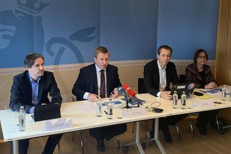 Le ministre de la Fonction publique, Marc Hansen (2e en partant de la gauche), lors de la présentation des chiffres-clés de l'emploi dans la fonction publique, mardi 22 octobre 2019. (Photo: Maison Moderne)