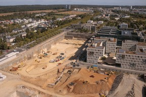 Le bâtiment Jean Monnet laissera la place au futur Jardin du multilinguisme. ((Photo: Matic Zorman))