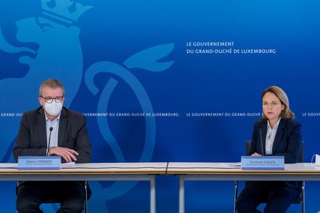 Raoul Vinandy, directeur opérationnel de Servior, et Corinne Cahen, ministre de la Famille et de l'Intégration, se sont expliqués sur le cluster de Niederkorn. (Photo: SIP / Jean-Christophe Verhaegen)