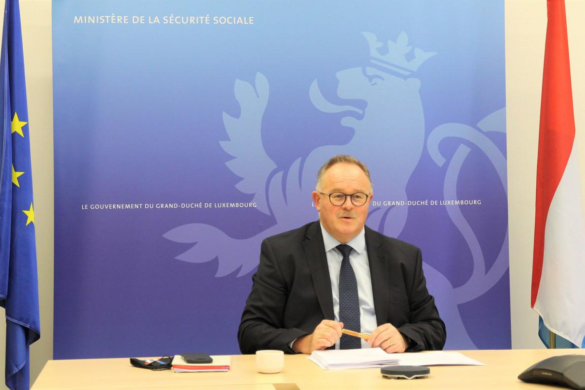 RomainSchneider souligne que les réserves réalisées ces dernières années «ont permis de répondre rapidement à une crise sanitaire d'une ampleur exceptionnelle». (Photo: ministère de la Sécurité sociale/SIP)