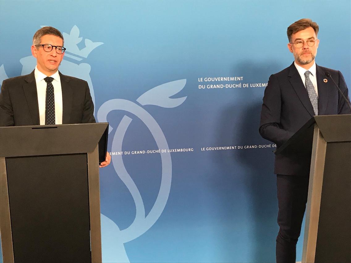 Aux côtés du ministre de l'Économie Franz Fayot, le médiateur de la consommation, Claude Fellens, a livré un bilan positif de ce service gratuit et volontaire pour trouver des solutions à de nombreux problèmes. (Photo: SIP)