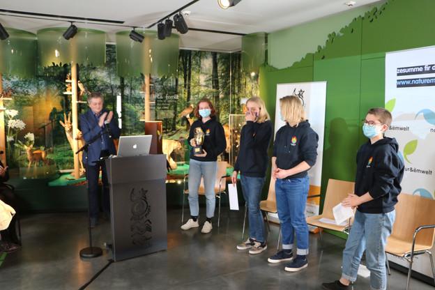 Youth for Climate a reçu lePräis Hëllef fir d'Natur 2020. Une belle reconnaissance. (Photo: Natur&ëmwelt)