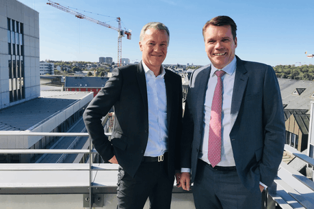 Cliff Konsbruck (directeur de Post Telecom) et Claude Strasser (directeur général de Post Luxembourg). (Photo: Paperjam)