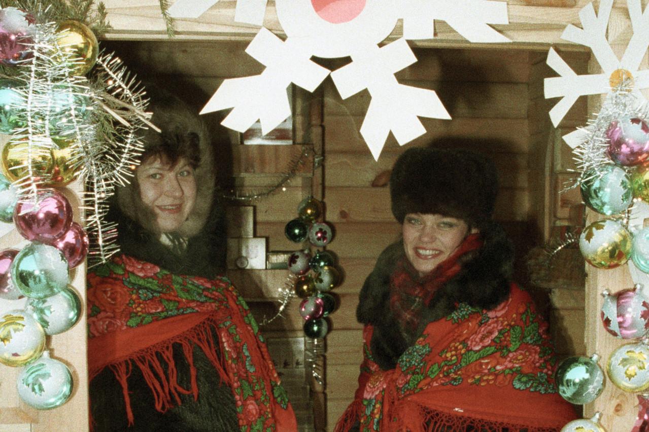 Des Winterlights, des chalets et plein de bonnes (et moins bonnes) choses à manger: bienvenue au marché de Noël! (Photo: SPUTNIK / AlamyStock Photo)