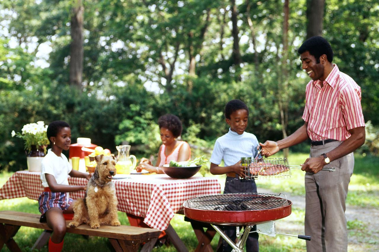Envie d'épater la galerie en sauçant votre barbecue comme un vrai chef? On s'occupe de ça pour vous… (Photo: Alamy Stock Pictures)