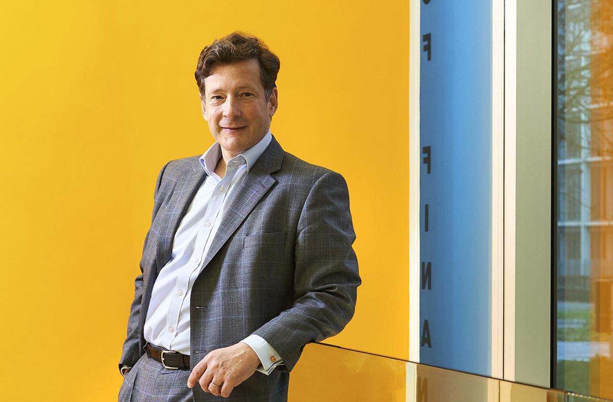Nicolas Mackel est, depuis 2013, l'ambassadeur de la place financière luxembourgeoise hors des frontières. (Photo: Andrés Lejona/Maison Moderne)
