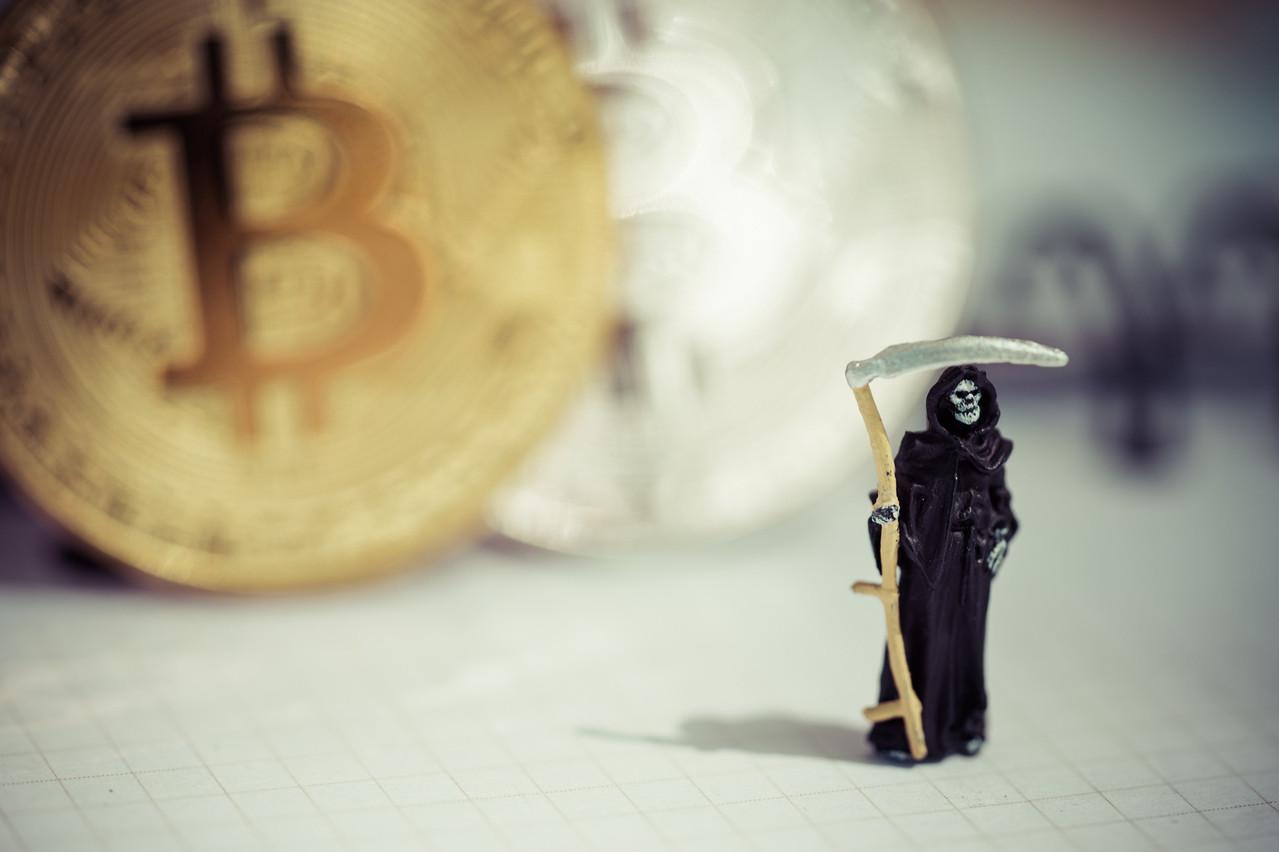 Que deviennent les bitcoins acquis par quelqu'un à son décès? Longtemps considérés comme perdus, les plateformes se disent de plus en plus prêtes à les transmettre aux héritiers dans certaines conditions. (Photo: Shutterstock)