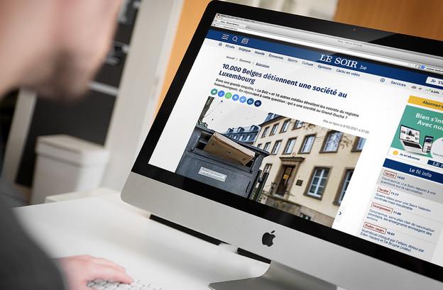 La une du journal Le Soir fait référence aux 10.000 Belges identifiés à la tête d'entités luxembourgeoises. (Photomontage: Maison Moderne)