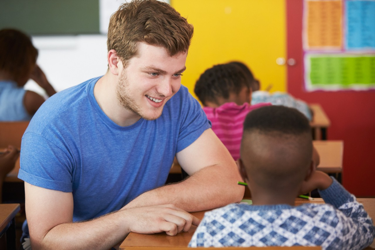 De très nombreux étudiants figurent parmi les recrues du ministère de l'Éducation nationale. (Photo: Shutterstock)