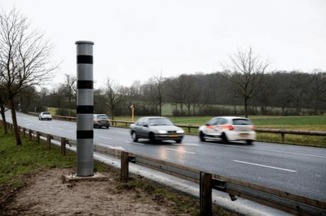 Une des pétitions suggère la fin des radars automatiques le long des routes. (Photo: Maison Moderne/archives)