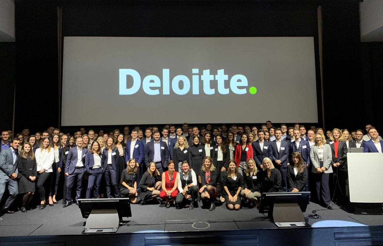 La relève des auditeurs a pris ses quartiers chez Deloitte ce jeudi. (Photo: Deloitte Luxembourg)