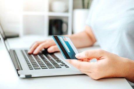 La plateforme Letzshop a enregistré un record de 350.000 euros de chèques-cadeaux commandés. (Photo: Shutterstock)