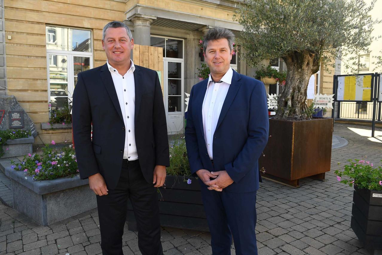 Dimitri Fourny (à gauche) et Yves Evrard se disputent le maïorat de la commune de Neufchâteau, sans pitié. (Photo: La Meuse Luxembourg)