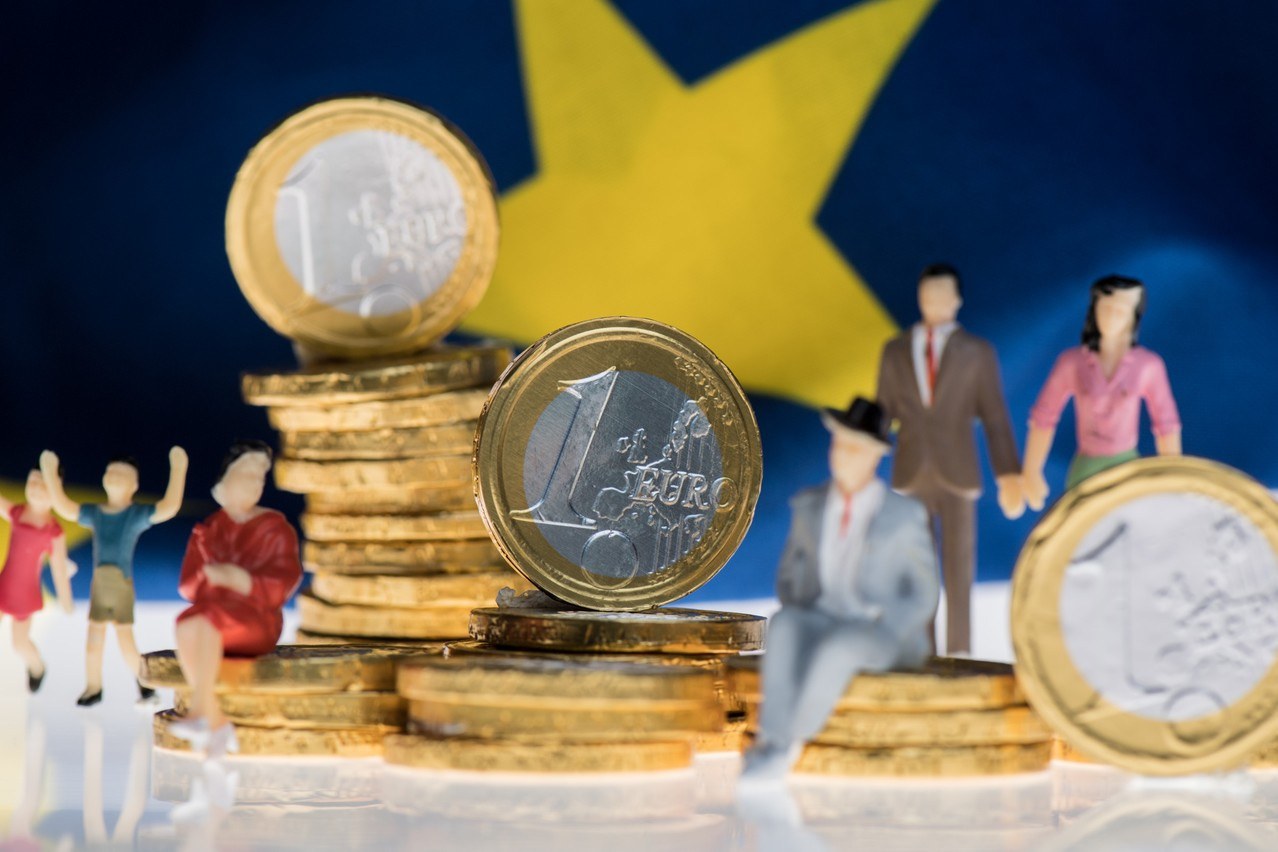 While Statec expects the wage indexation to be triggered at the end of 2021, it also expects the price of services to rise as a result of indexation. Photo: Mauro Bottaro / EU