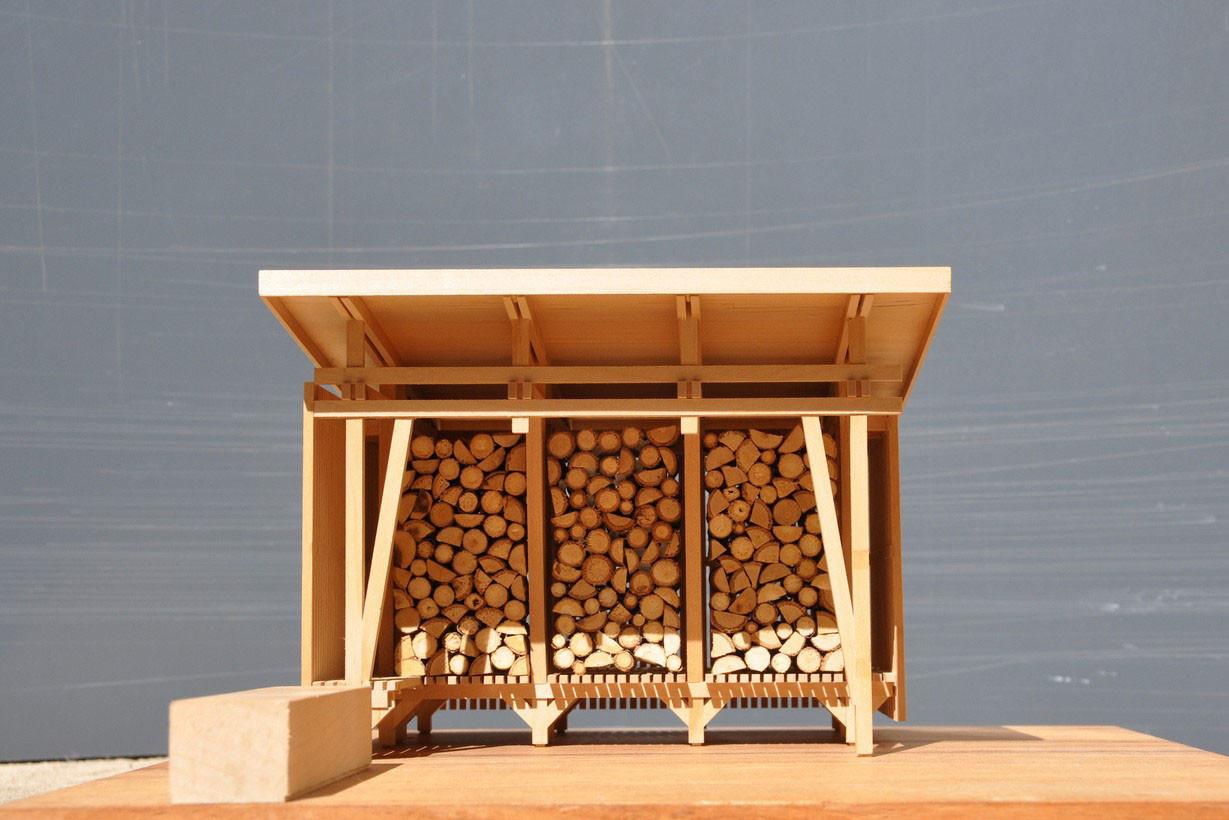 Un abri à bois dessiné par l'architecte StanBerbec. (Photo: Agence d'Architecture Stanislaw Berbec')