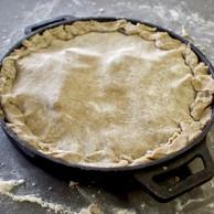 Comme toute tatin qui se respecte, la pâte cuit au-dessus des ingrédients... (Jérémy Grosdidier)