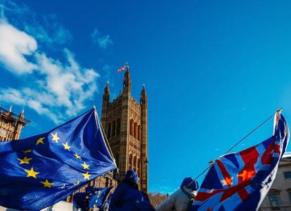 Les Britanniques doivent désormais se positionner sur l'accord de sortie négocié avec les 27. (Photo: Shutterstock)