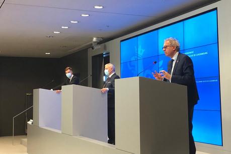 FranzFayot, Dan Kersch et Pierre Gramegna se réjouissent de l'accord trouvé pour assurer l'emploi et le futur de la sidérurgie au Grand-Duché pour les cinq prochaines années. (Photo: Paperjam)