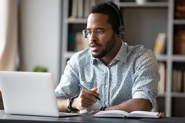 L'Adem a noué un partenariat avec la plateforme d'e-learning française Belearn. Les demandeurs d'emploi de moins de 30ans pourront y suivre une formation digitale aux logicielsWord, PowerPoint, Excel, Outlook, Teams, OneNote, etc. (Photo: Shutterstock)