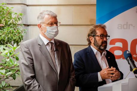 Le 13 octobre, FernandKartheiser (à gauche) deviendra président du groupe parlementaire et Gast Gybérien tirera sa révérence. (Photo: Romain Gamba/Maison Moderne)