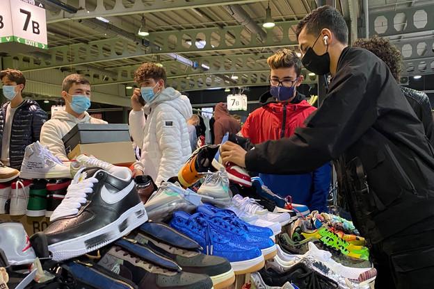 Près de 3.000personnes ont participé ce dimanche à la Sneakermess. À la recherche d'une bonne affaire ou du modèle de leurs rêves à leur taille… et dans leur budget. (Photo: Paperjam)