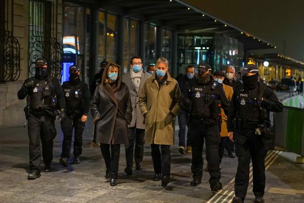 Le ministre de la Sécurité intérieure, Henri Kox (déi Lénk), avait effectué une visite du quartier de la gare avec les autorités communales. Ces dernières, malgré des renforts des forces de l'ordre, estiment que la situation reste problématique. (Photo: Ville de Luxembourg)