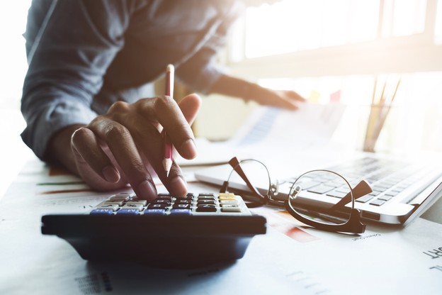 La comptabilité des entreprises est mise à mal par la pandémie, et certaines réclament des évolutions pour les mécanismes d'aides. (Photo: Shutterstock)