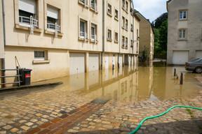 Les rez-de-chaussée, caves et parkings semblent les plus touchés par l'inondation. ((Photo: Matic Zorman / Maison Moderne))