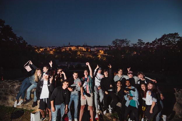Lundi soir, de nombreux groupes ont tout de même célébré la Fête nationale. (Photo: Nader Ghavami)