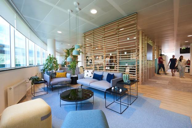 Le bien-être au bureau passe aussi par les aménagements. (Crédit: www.yvanglavie.com)