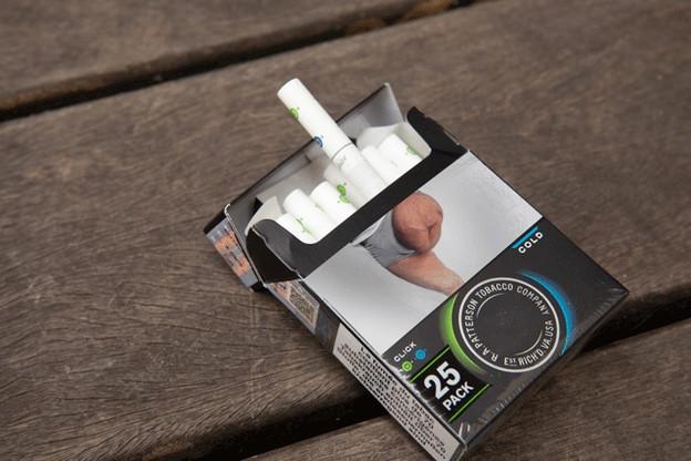 C'est sur une image comme celle-ci, au dos d'un paquet de cigarettes acheté au Luxembourg, qu'un sexagénaire de Metz a retrouvé une photo de sa jambe, amputée après une agression. Il dit n'avoir jamais donné son consentement. (Photo: Jan Hanrion/Maison Moderne)